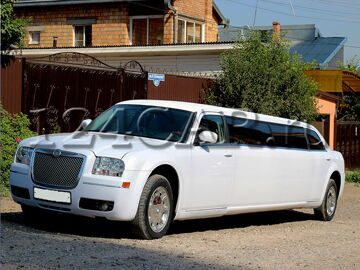 chrysler-300c-limuzin-while-3